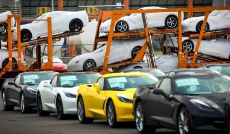 Chevrolety Corvette jadą do salonów