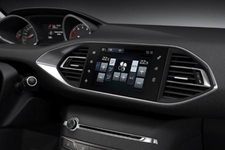 Ekran multimedialny w Peugeot 308
